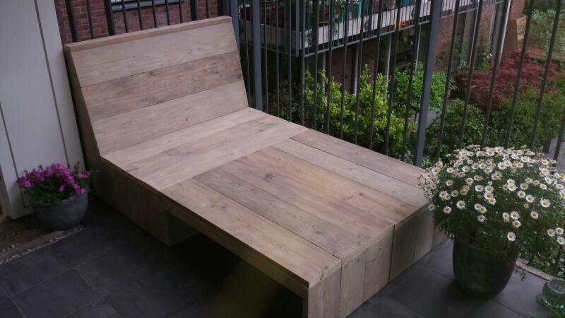 balkon loungebank van gebruikt steigerhout op eigen houtje meubels. Black Bedroom Furniture Sets. Home Design Ideas