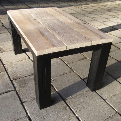 """Salontafel van steigerhout met zwarte poten """"Richard"""""""
